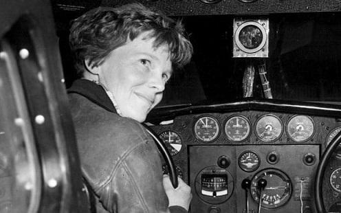 Amelia-Earhart3